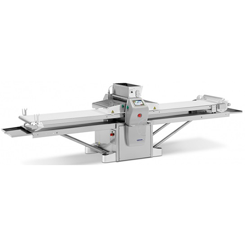AUTO 123, with its rollers of 123 mm diameter, allows to work very hard dough and to get the thinnest sheets.